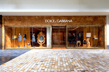 Dolce And Gabbana presented the new High Fashion collection, all in digital!