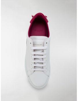Sneakers urban street