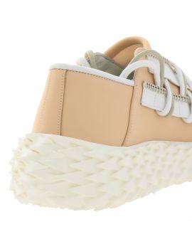 Sneaker stringata low top in pelle gommata
