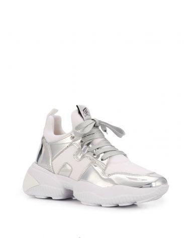 Sneaker H487 interaction