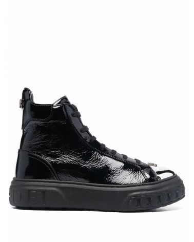 Sneaker hi top off road