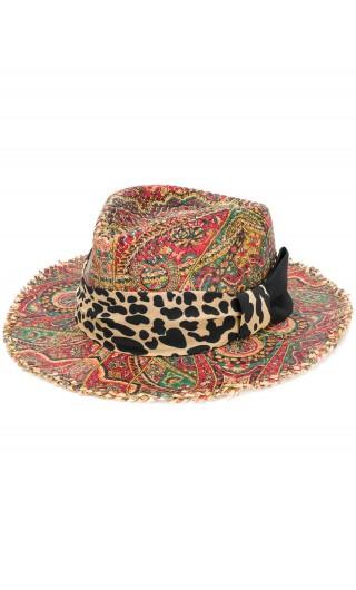 Cappello sfrangiato