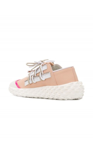 Sneaker stringata low top in pelle gommata